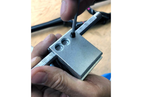 חותך צינורות מזלג מקצועי Unior דגם 1604/2PLUS