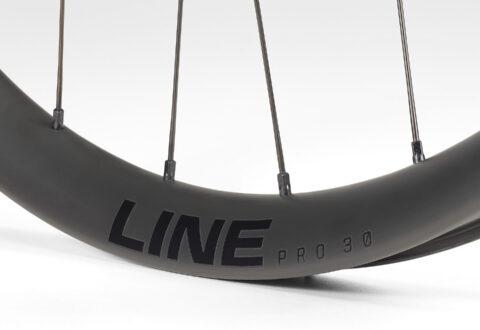 Bontrager Line Pro 30 TLR 29 Boost Rim