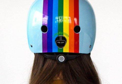 קסדה Nutcase Street Rainbow Sky