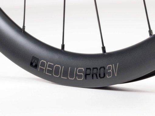 גלגלי כביש Bontrager Aeolus Pro 3V Disc TLR V2