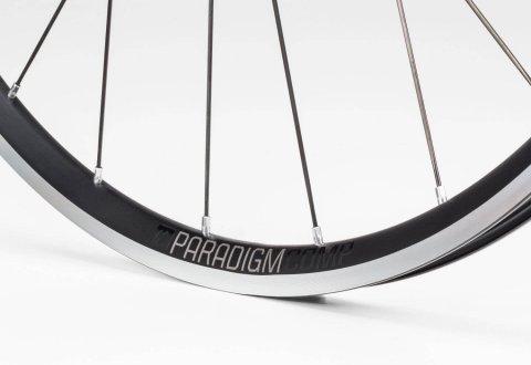 גלגלי כביש Bontrager Paradigm Comp TLR V16