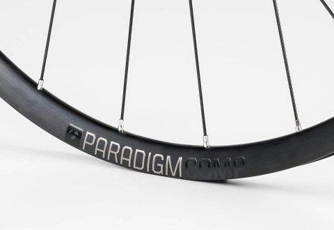 גלגלי כביש Bontrager Paradigm Comp Disc TLR V17