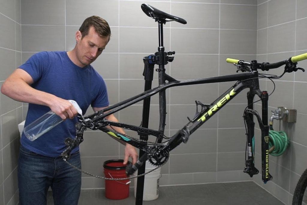 שטיפה של שלדת אופניים