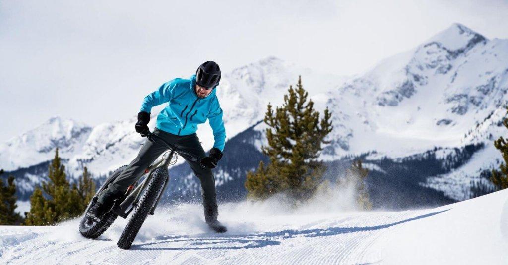 רכיבה על אופני TREK בשלג